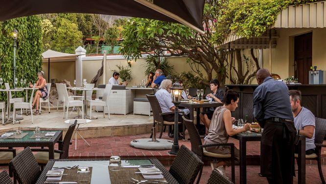 Superb summer lunch at Aubergine–Gardens